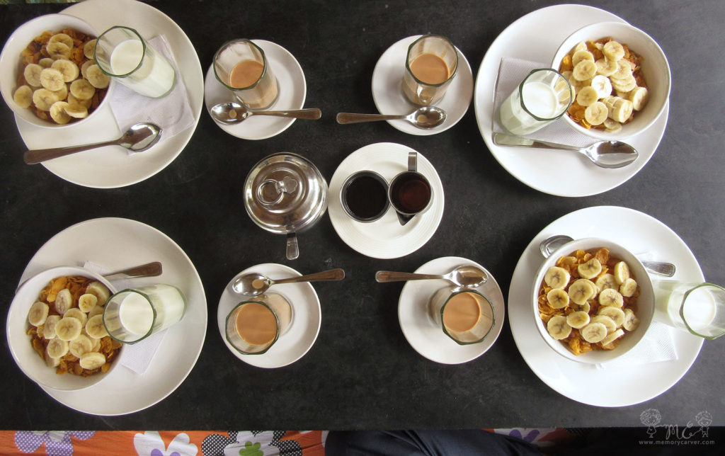 breakfast at tutti cafe- hampi road trip