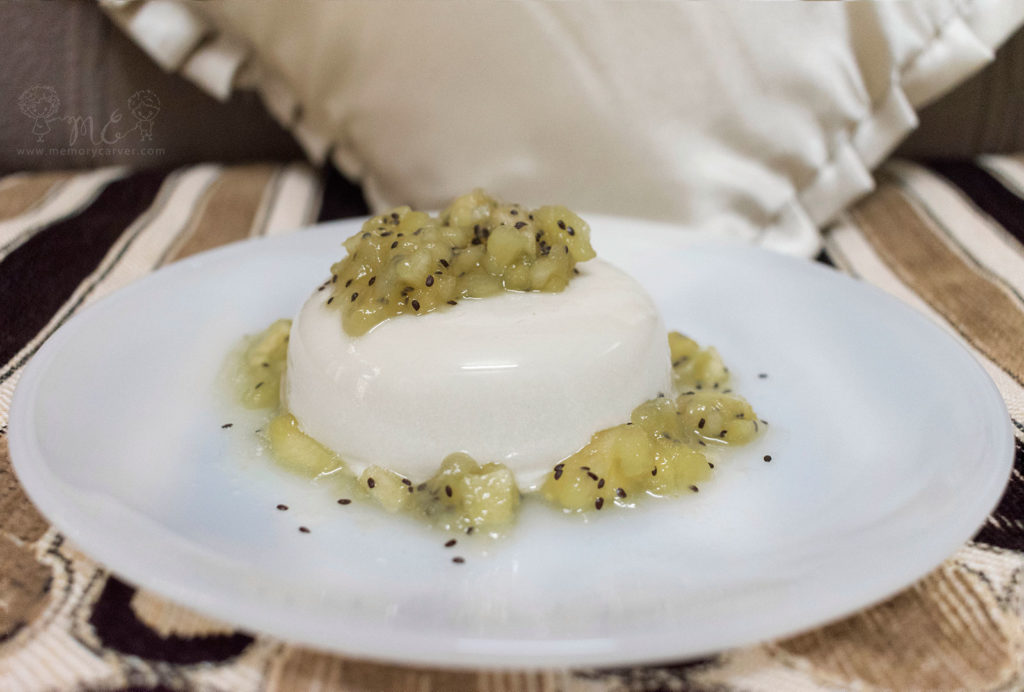 Coconut panna cotta with apple kiwi compote