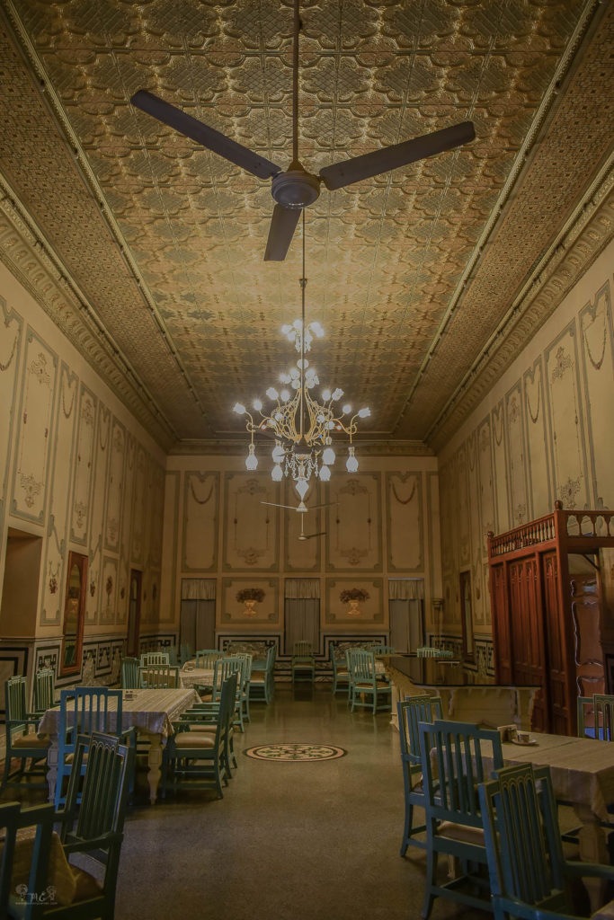 dining-hall-royal-haveli-style-at-bikaner