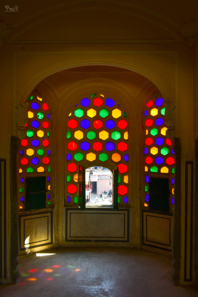 inside-the-honeycomb-window-at-hawa-mahal